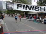 Christina Lee, Sierra Madre CA, 1:49:45 (blue);  Carrie Chasteen-Elfarra, Pasadena CA, 1:49:46 (red)